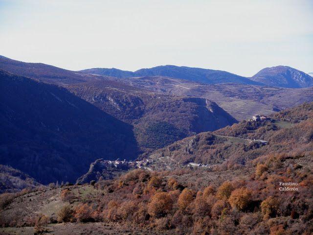 Pueblos deshabitados: La Bastida de Bellera #pallarsjussa #despoblats #pueblosabandonados #valfosca Vistes de la vall des del poble.