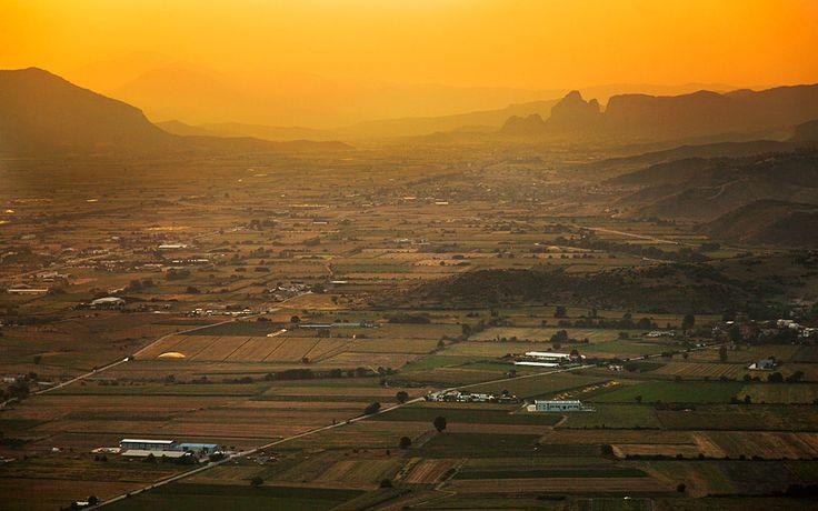 A Balloon Ride over Meteora - Greece Is