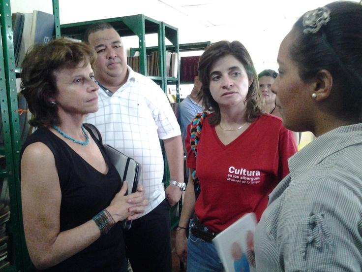 Viceministra y directora de la @bncolombia comparten experiencias con bibliotecarios.