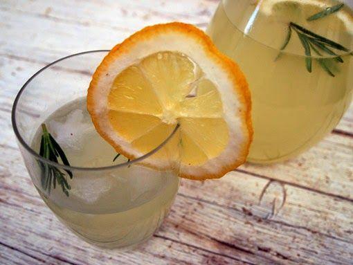 Receita de limonada de alecrim • Receta de limonada de romero