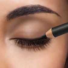 How To Apply Eyeliner Correctly