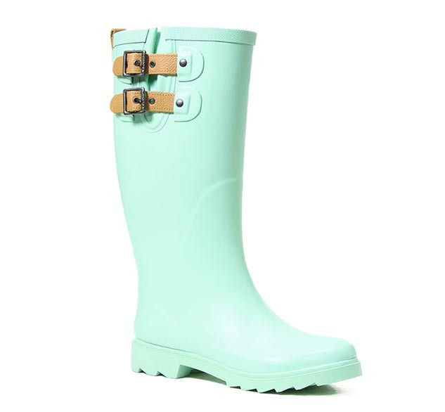 This classic Chooka rain boot in mint green with a satin finish is a rainy day must-have. Waterproof with two adjustable leather straps and pull tabs for added sophistication. This boot gives more cov