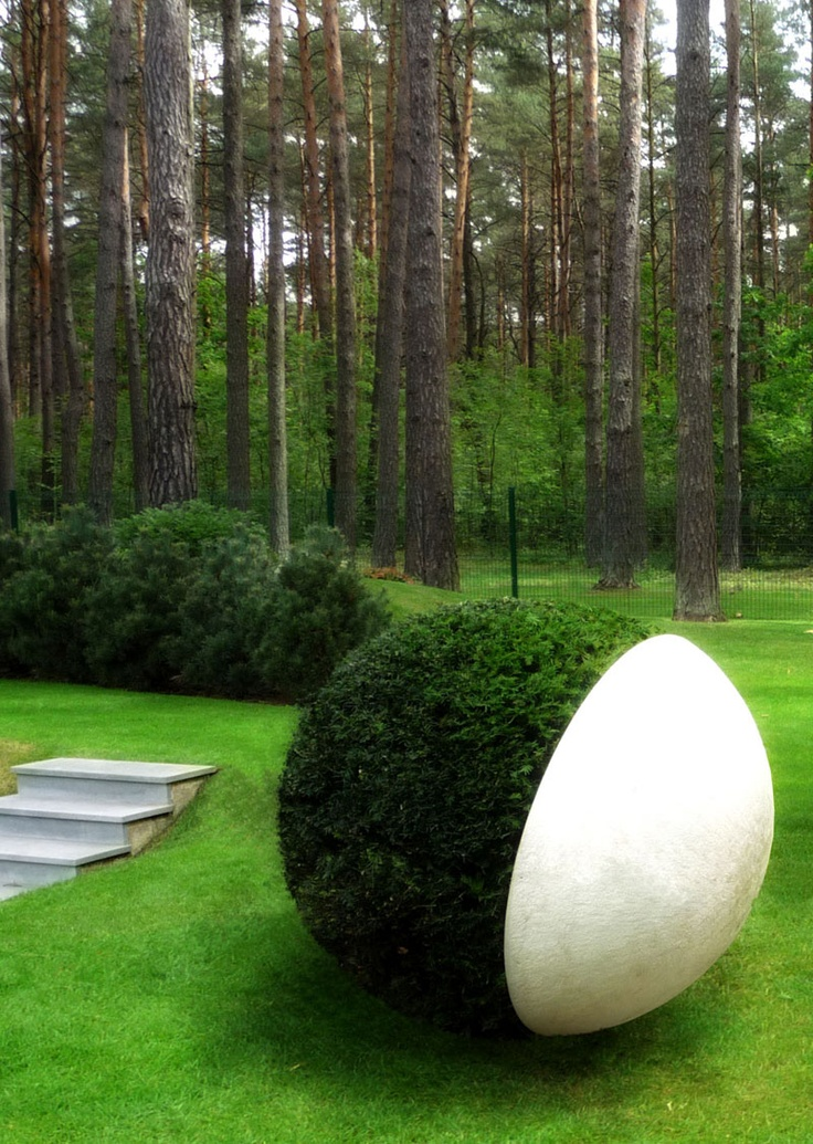 The Scandinavian - Architecture Blog | A minimalistic garden in a forest in Vilnius Lithuania. Udo Dagenbach
