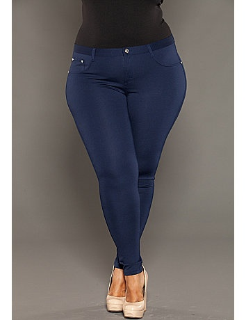 The only problems I have with these is that there are no front pockets (not uncommon with leggings or women's pants in general) and there is no real button on the front, just a fake one. However, you can get past these problems easily once you realize they are not real pants, just leggings.