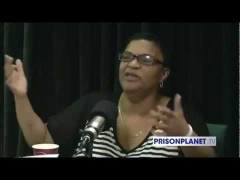 Obama Phone Lady Says: Darn Sure Won't Vote for Obama Again! - 1/14/13 - A must watch. Love her. go to the site to watch another one.