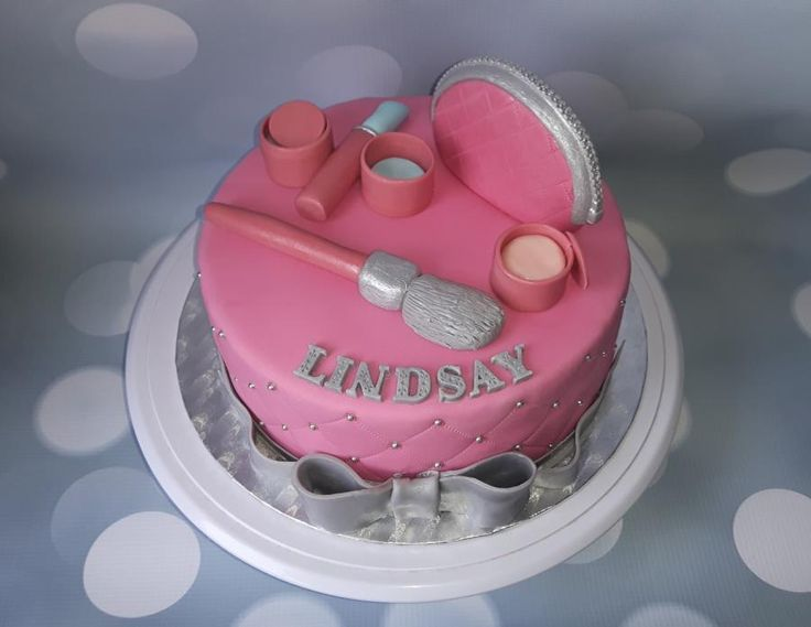 Make-up cake in pink and silver. by Bianca