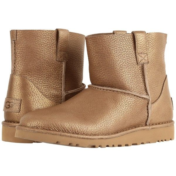 UGG Classic Unlined Mini Metallic (Gold) Women's Boots (2.170 ARS) ❤ liked on Polyvore featuring shoes, boots, ankle boots, bootie boots, gold metallic boots, platform ankle boots, pull on boots and metallic ankle boots