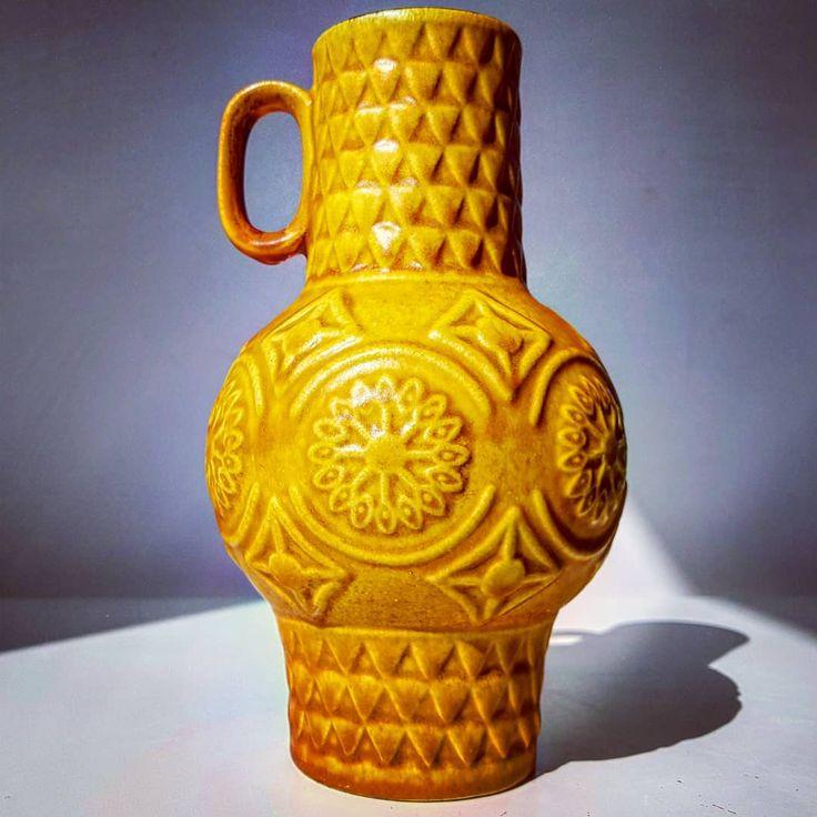 Bay keramik relief caramel vase  #bay #baykeramik #relief #ethnic #caramel #brown #handled #wgp #westgermanpottery #germany #fatlava #vase #flowers #midcentury #modern #vintage #retro #pottery #ceramic #70s