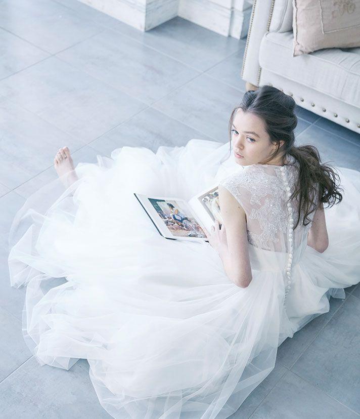 ウェディングドレスNo. DBW-018 – Aラインドレス・二次会ドレス・レンタル/ドレスベネデッタ(名古屋市栄)ウェディングドレスコレクション。エアリーなバックスタイルで「綺麗シルエット」を。ガーデンウェディング、リゾートウェディング、二次会ドレスとしても。