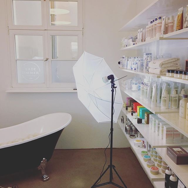 #photoshooting With @friedrich.zeitschrift ...stay Tuned 😎 #badezimmer # ·  PotsdamSpace