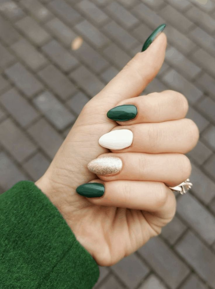 Green Holiday Nail Ideas for 2019