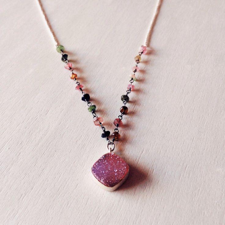 Un favorito personal de mi tienda de Etsy https://www.etsy.com/es/listing/460441732/druzy-necklace-silver-necklca-gemstone
