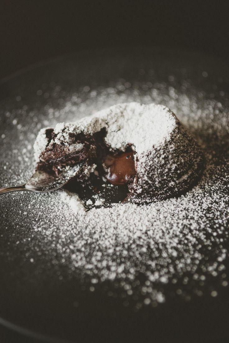 tortini vegan con cuore morbido di cioccolato fondente