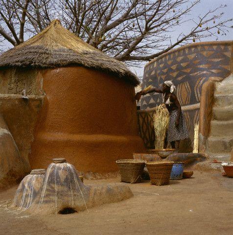 Nankani architecture Burkina Faso photographed by Margaret Courtney-Clark