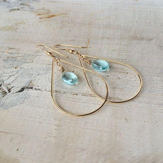 Topaas gouden oorbellen Gouden oorhangers door SonjadeBruinSieraden