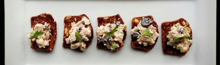 Salata de pui cu telina! Vezi reteta pe emmazeicescu.ro ! :) #puicutelina #goodfood #academiaculinara #emmazeicescuro