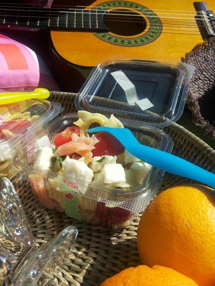 Pasta salad with salmon, great snack for a picnic