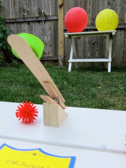 Joyfully Weary: A Knightly Affair - catapult game