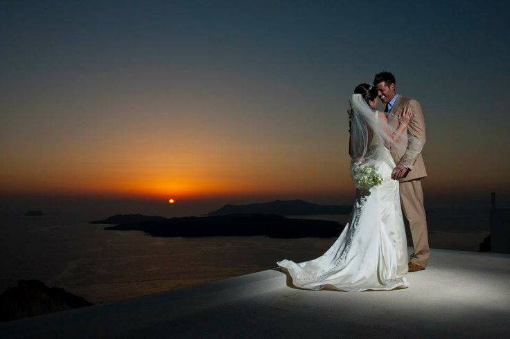 Utterly #romantic_wedding setting in #Santorini!