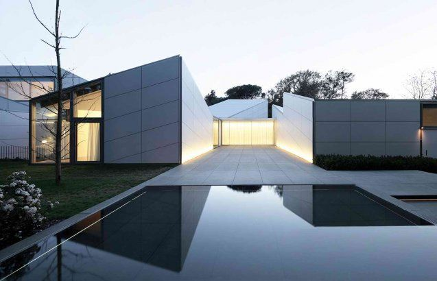 Origami House by OAB Carlos Ferrater
