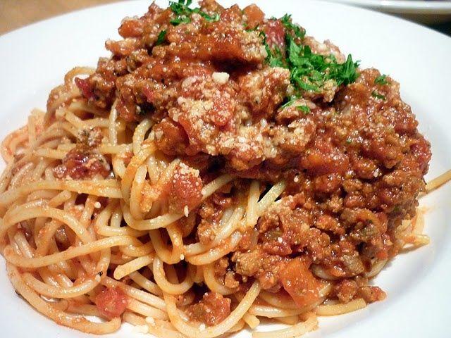 Αυθεντική σάλτσα Μπολονέζ με μακαρόνια