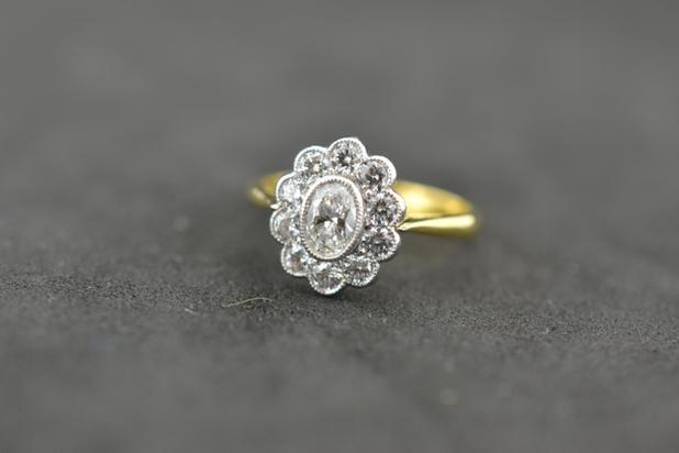 0.88 Carat F Colour Excellent cut #diamonds set in 18ct Yellow Gold #PlatinumCork #Engagement