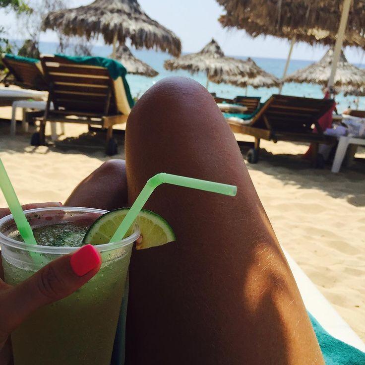 #ипустьвесьмирподождет #релакс#мохито#пляж#солнце#кипр#айянапа #summertime #cyprus #aiyanapa #beautifulplace #beach #beachlife #grecianbayhotel #grecianbay