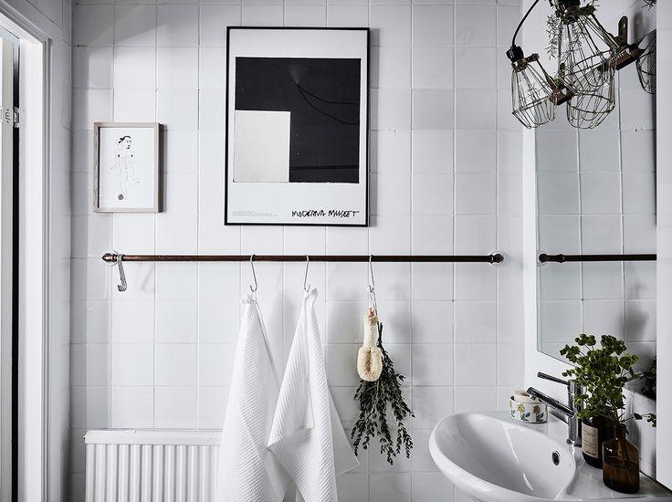 Bostadsrätt, Nordhemsgatan 18 i Göteborg - Entrance Fastighetsmäkleri ·  Scandinavian Interior DesignOrganized BathroomBathroom ...