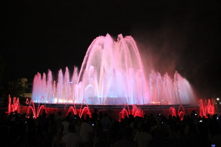 Magic Fountain (normally only Fridays and Saturdays in the evening, but check the schedule here!)