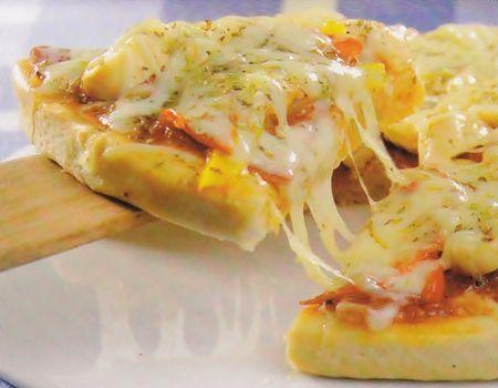 Pizza siciliana Ingredientes Massa 1 tablete de fermento biológico (15g) ¾ xícara (chá) de água e leite morno ¼ de xícara (chá) de óleo 1 colher (café) de sal...