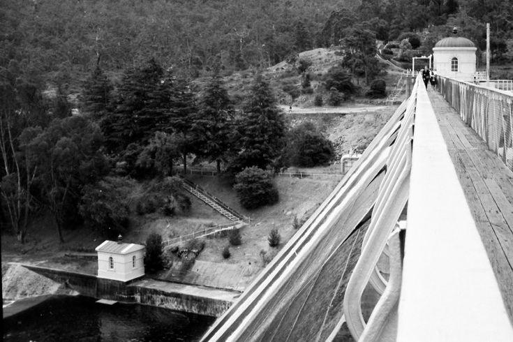 BA2741/127: Mundaring Weir, 1964-65 http://purl.slwa.wa.gov.au/slwa_b4625308_7