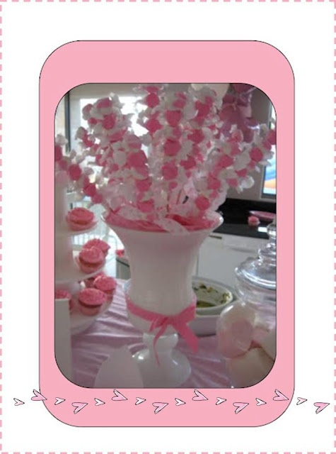 Perfect centerpiece for a Pink themed party, a Ballerina themed party or a little girl's party. Give to kids as they leave the party