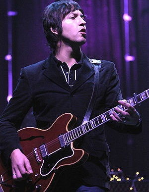 Another of my fave style icons, Gem Archer of Beady Eye. Just took this pic with me to the barber today, actually. No, seriously.