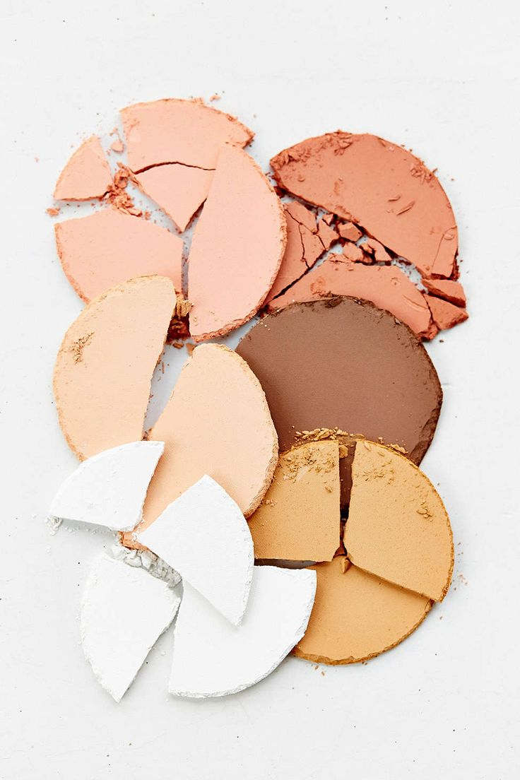 bh cosmetics Contour & Blush Palette - Urban Outfitters