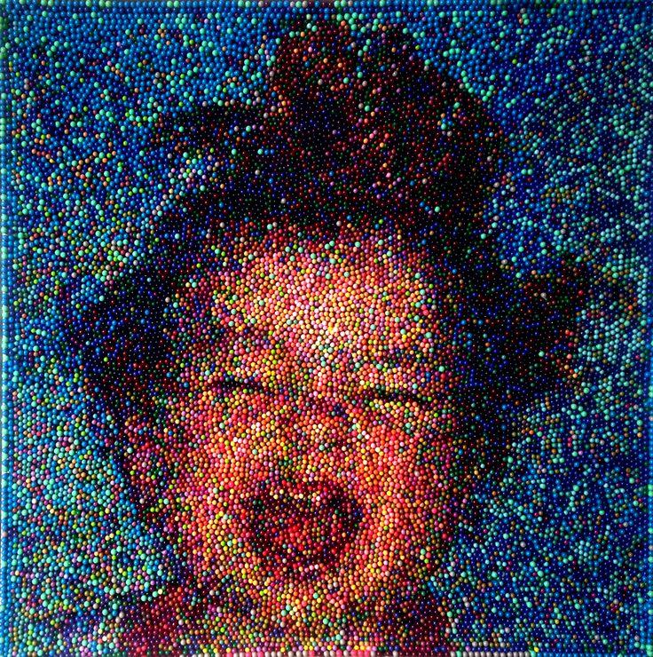 """Mosaico Atómico"" Óleo en capsulas de medicina     ""Atomic Mosaic"" Medicine Pills 80cm x80cm 2017"