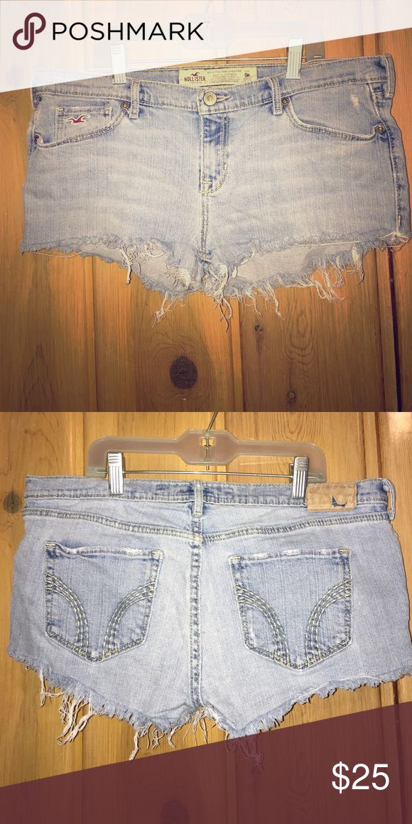 Hollister Venice Jeans Cut Into Daisy Duke Shorts Super cute cheeky booty shorts that began life as bootcut jeans Hollister Shorts Jean Shorts
