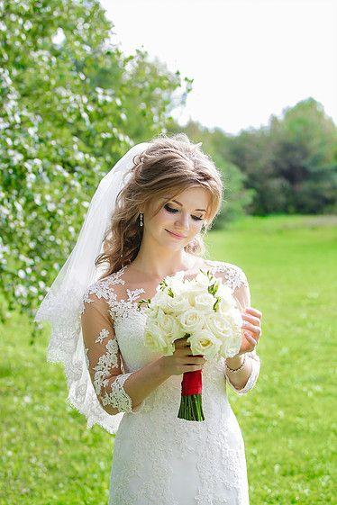 Нежный образ невесты. Белый букет невесты.   Свадебное агентство Александры Фукс #aleksandrafuks   #проведениесвадьбы #организациясвадебногомероприятия #организоватьсвадьбу #организаторсвадеб #свадебноемероприятиевмоскве #свадебноемероприятиемосква #красиваясвадьба #найтисвадьбу #свадьбаключ #ценаорганизациисвадьбы #заказсвадьбыподключ #свадьбаподключцена #сколькостоитсвадьбаподключ
