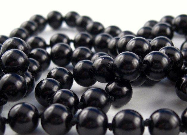 Perlenketten - Lange Perlenkette Schwarz geknotet Art Deco Stil - ein Designerstück von glamour-pearl bei DaWanda