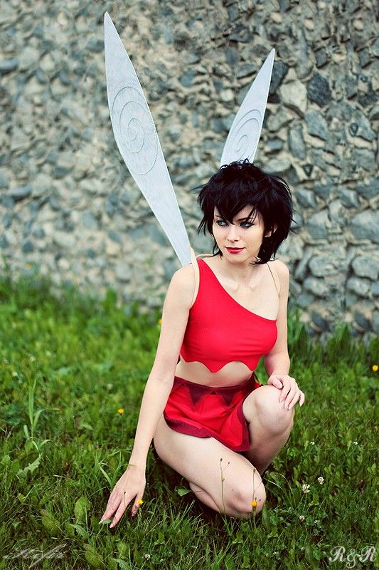"""This Crysta cosplay (from """"Ferngully,"""" if you didn't know) is ridonkulously well-done."""
