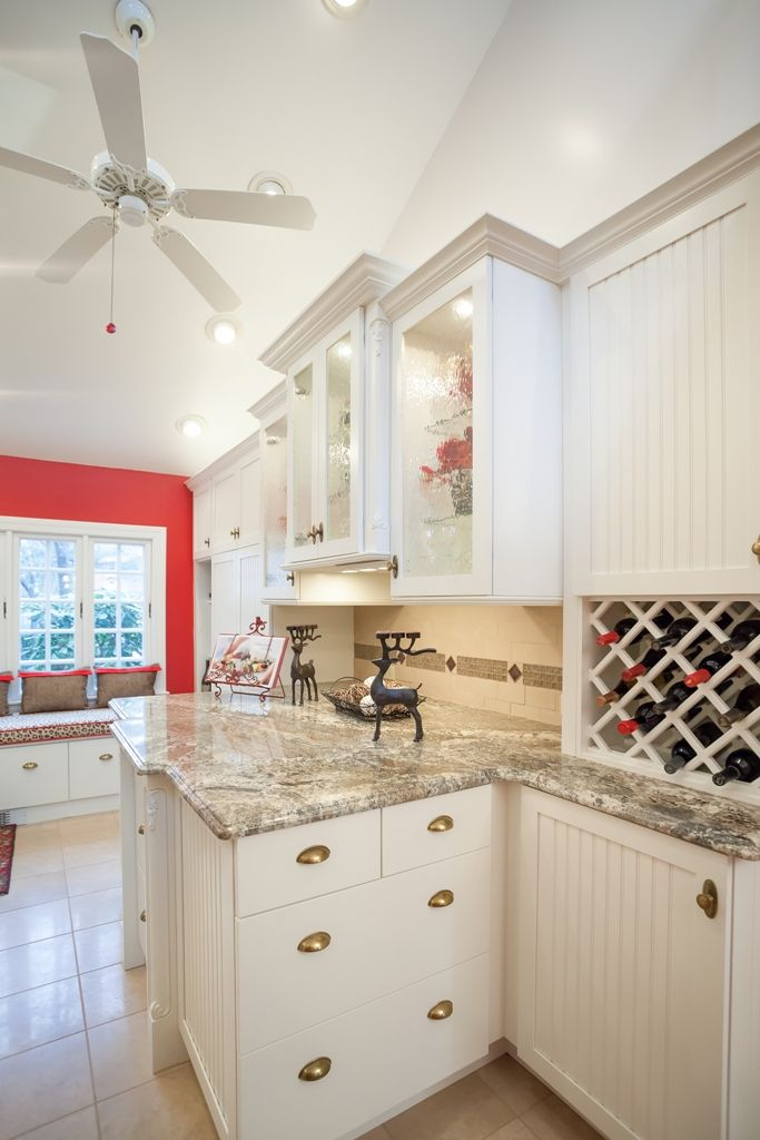 high-end+granite+countertops | The countertop material is Netuno Bordeaux  granite for
