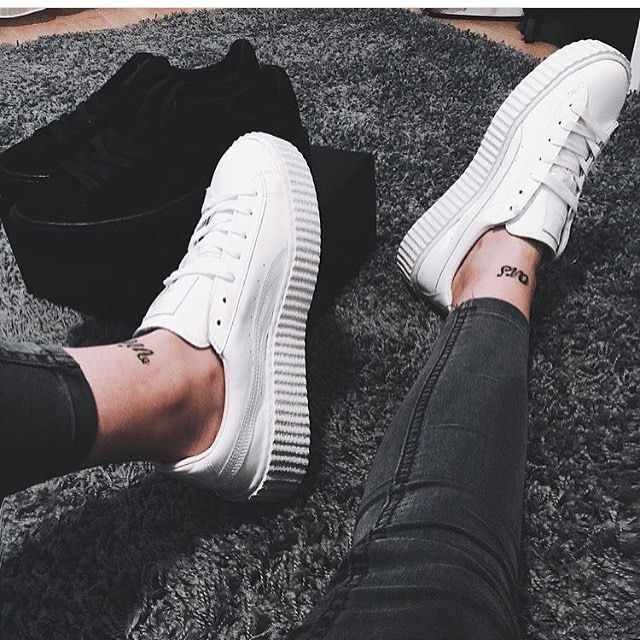// Pinterest naomiokayyy  Shoes sneakers trainers flatforms white shoes