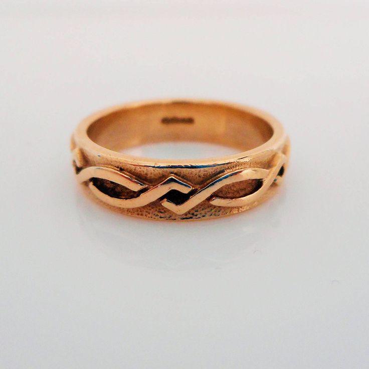 Vintage Scottish 9K Gold Celtic Knot Ring Sheila Fleet Orkney Scotland 9 Carat Wedding Band Commitment Love Eternity Pinky Stacking