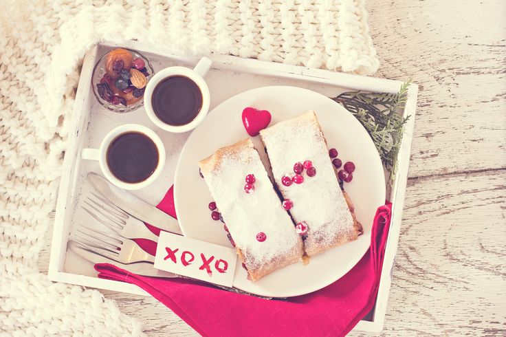 What better way to show someone you love them than with coffee in bed! ❤️️☕❤️️ Happy Valentine's Day!
