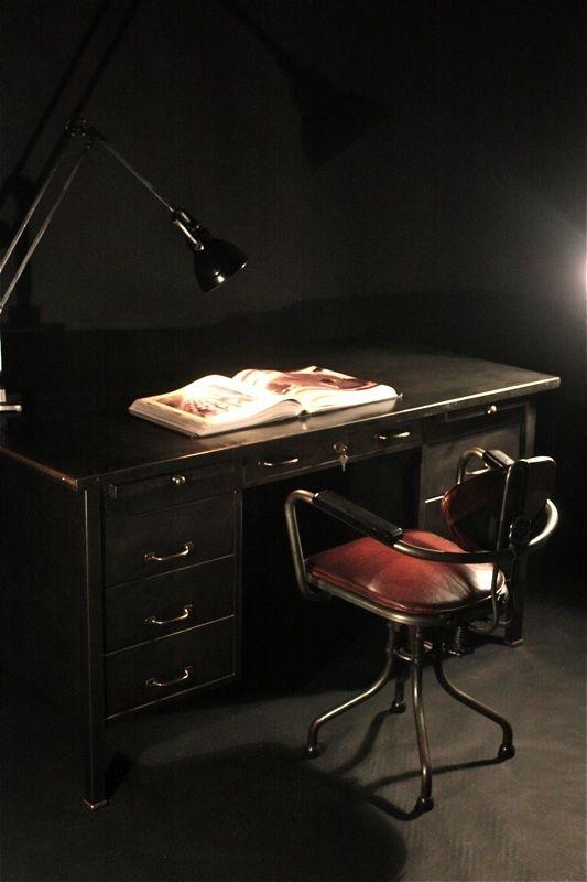17 meilleures id es propos de bureau industriel sur pinterest bureaux bureau en bois et. Black Bedroom Furniture Sets. Home Design Ideas