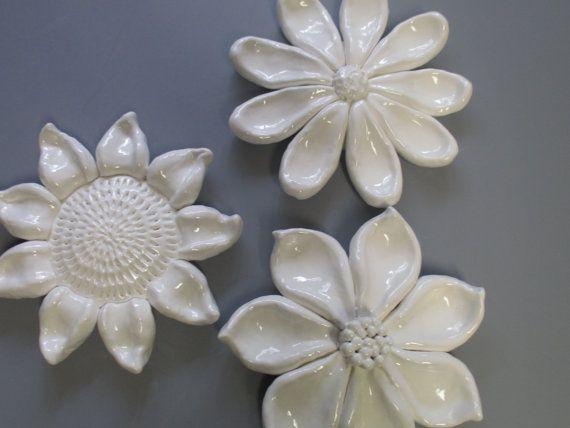 Λουλούδι ανθίζει το τοίχο, κεραμικά floral διακόσμηση, Sun Flower κρέμονται τοίχο, Daisy γλυπτά τοίχο, τέχνη κήπο, ανθίζει λουλούδι, κεραμικά λουλούδι