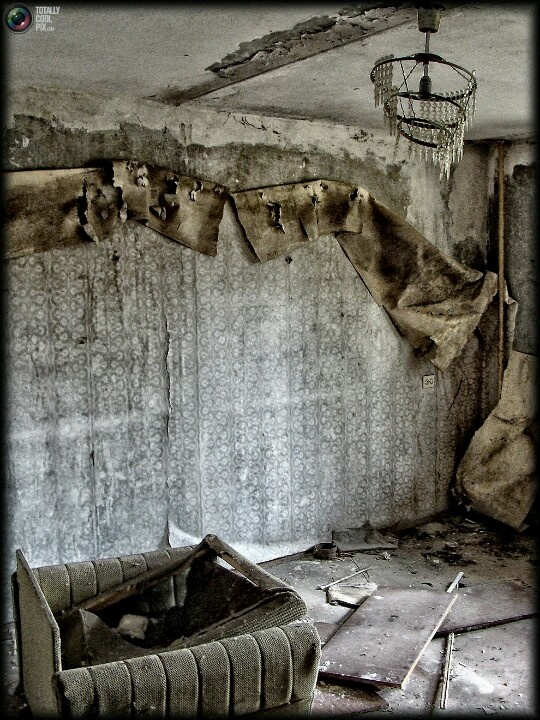 chernobyl a modern disaster Top 10 nuclear disasters top 10 nuclear disasters the long term effects of nuclear disasters can often spread over thousands of years it is estimated that chernobyl wont be inhabited for at least another 20,000 years.