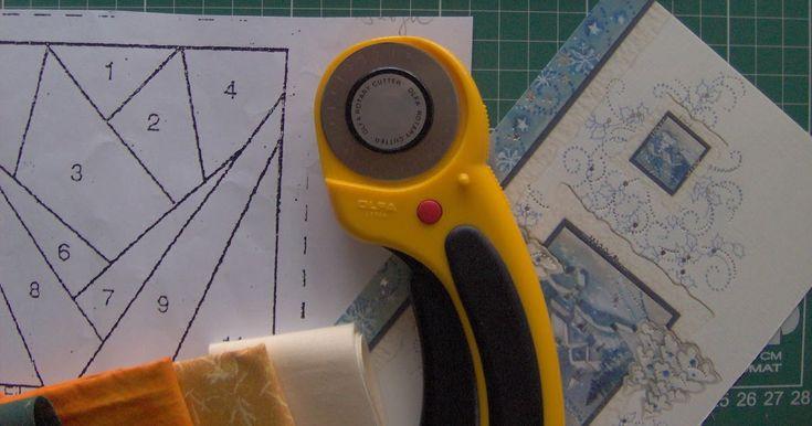 Klubunkban közös munka készül. Papírravarrással készítünk blokkokat, amit majd egy faliképpé összedolgozunk. Itt a soha vissza nem térő alka...