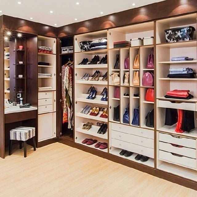 HOME DECOR: 25 Fantastic Future Dressing Room Ideas - Clothes Room #manchesterwarehouse
