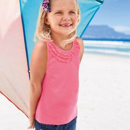 Leuke ideeën voor strandspelletjes waar het hele gezin deze zomer van kan genieten.