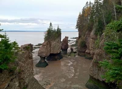 Flowerpot Rocks at low tide, Bay of Fundy *** Hopewell Rocks Provincial Park, New Brunswick, Canada